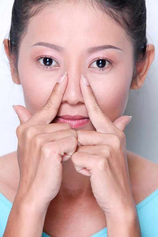 Nâng cao sống mũi khắc phục hoàn toàn mũi tẹt 1