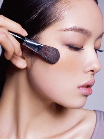 Cách làm sống mũi cao lên không cần make up, bạn đã biết chưa? 1