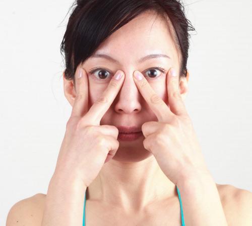 2 mẹo cực đỉnh giúp dáng mũi cao lên mà không cần phẫu thuật 3
