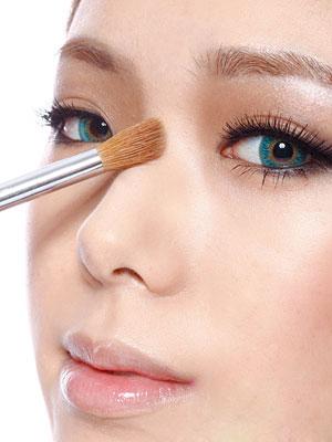 """4 bước """"make up"""" nhanh chóng để có dáng mũi S-line thanh tú 2"""