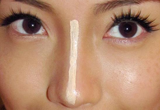 """4 bước """"make up"""" nhanh chóng để có dáng mũi S-line thanh tú 4"""