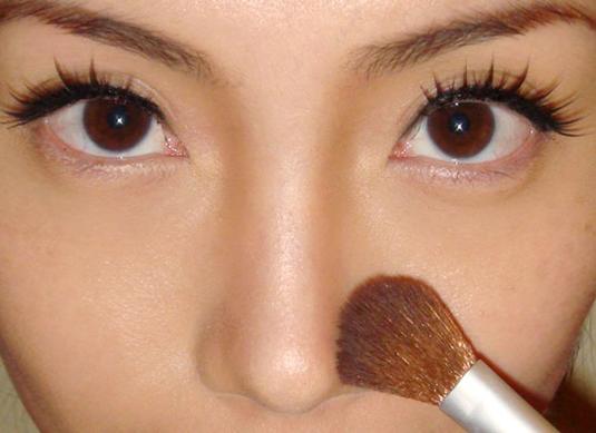 """4 bước """"make up"""" nhanh chóng để có dáng mũi S-line thanh tú 5"""