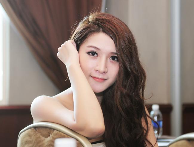 """""""Sốt"""" với những dáng mũi đáng mơ ước của hotgirl Việt 6"""