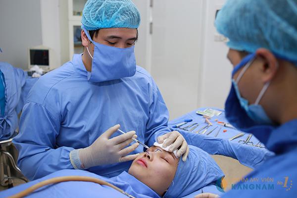 Cận cảnh clip phẫu thuật nâng mũi Hàn Quốc tại Kangnam