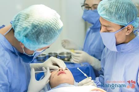 Băn khoăn chi phí nâng mũi không cần phẫu thuật hết bao nhiêu tiền